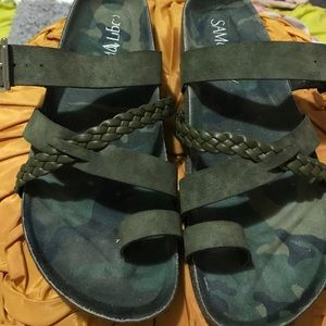 Sam & Libby Shoes - Army green Birkenstock-style sandals