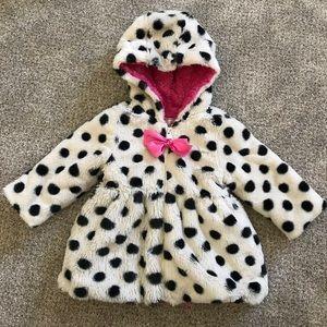 White and black Polk a dot coat