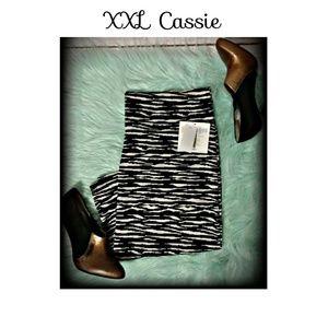 LuLaRoe Dresses & Skirts - XXL Black And white striped cassie skirt