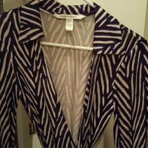 Diane von Furstenberg Dresses & Skirts - Size 4 Diane von Furstenberg wrap dress!