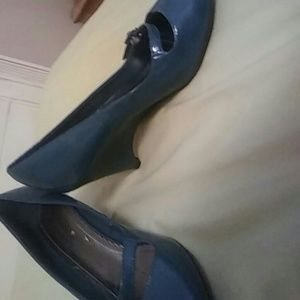 Predictions Shoes - A Pair of Teal Low Wedge Heels