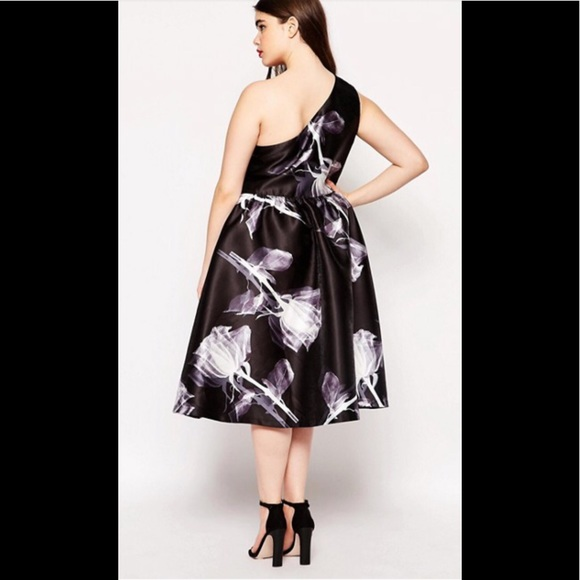 New Chi Chi London Curve Floral Dress 20W