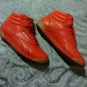 Reebok Shoes - Red high top Reeboks 0348458b1