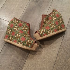 80%20 Shoes - Womens 80%20 Floral Hidden wedge booties 6