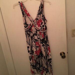 Daisy Fuentes Dresses & Skirts - 🌺Beautiful Hawaiian style dress🌺