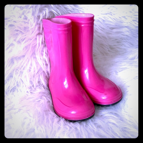 Free shipping BOTH ways on toddler rain boots, from our vast selection of styles. Fast delivery, and 24/7/ real-person service with a smile. Click or call