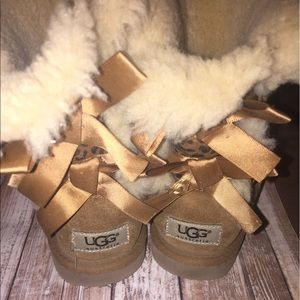 UGG Other - Uggs bailey bow leopard print