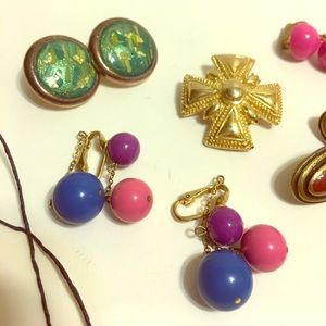other Jewelry - 🎁Sale Vintage Clip On earings, pin & Bracelet