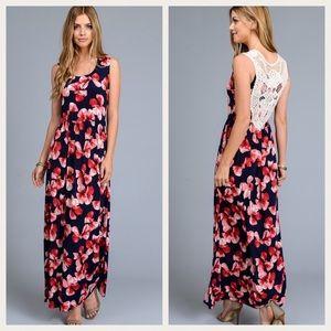 Gilli Dresses & Skirts - 🆕 ✨SALE✨ Gilli Floral Maxi w/ Back Lace 🇺🇸