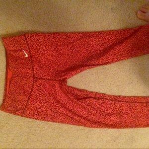 Nike Pants - Nike Cropped running tights