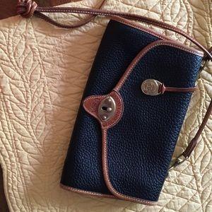 Dooney & Bourke Handbags - Authentic Vintage Dooney & Bourke crossbody
