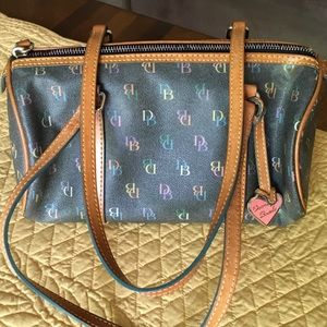 Dooney & Bourke Handbags - Authentic Dooney & Bourke satchel