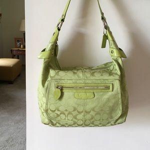 Coach Handbags - Gorgeous Authentic Coach signature hobo. EUC💚