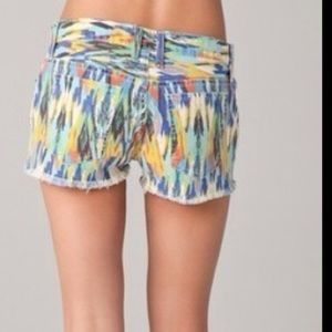 Current/Elliott Shorts - Current Elliot arrow print cut off shorts