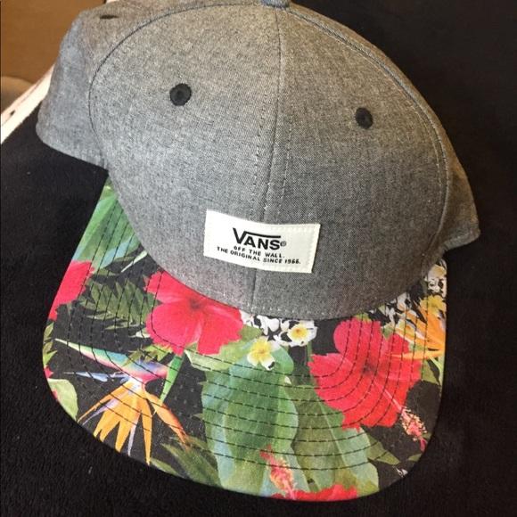 747dea542d2 Vans Snapback hat in Hawaiian print. M 5904c1c6713fde8e9500b2e0