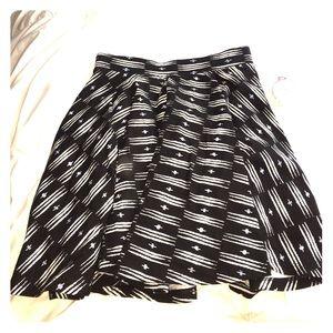 kohls Dresses & Skirts - BLACK AND WHITE PATTERN SKIRT