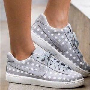 "Nike Shoes - Tennis Classic Ultra PRM ""Coastal Grey"" W"