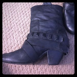 naughty monkey Shoes - ⭐️SALE⭐️Black leather mid booties w/ detail straps