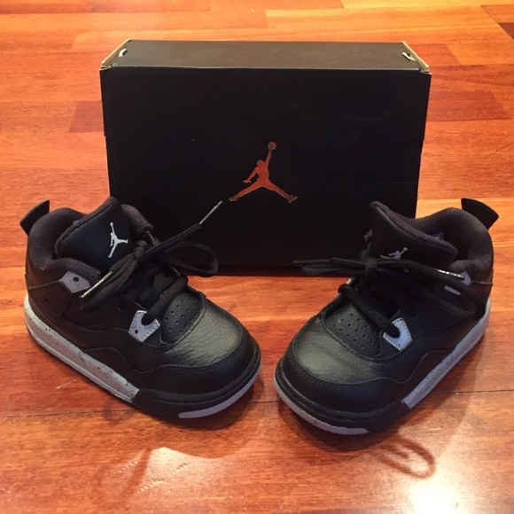 buy online df686 95999 Jordan Other - MOVING SALE! Air Jordan 4 IV Oreo size 7c toddler