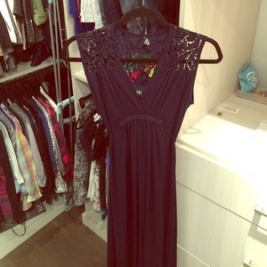 Olian Dresses & Skirts - Gorgeous maternity gown