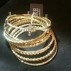 BKE Jewelry - BKE Bangle Bracelet Set
