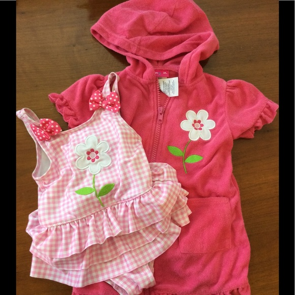 Free shipping on swimwear for baby girls on senonsdownload-gv.cf Shop swimsuits, swim trunks and cover-ups from the best brands. Totally free shipping and returns.