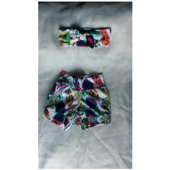 unbranded Other - Baby girls painted feather short set