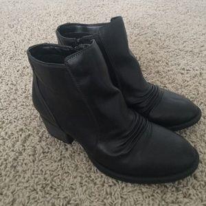 Dr. Scholl's Shoes - NWT Dr. Scholls Black Ankle Boots