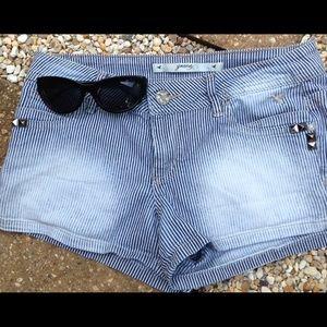Grane Pants - Sassy  Blue Fade Shorts