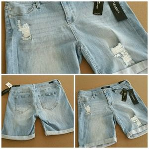 Liverpool Jeans Company Pants - Liverpool Corine Walking Shorts. Distressed NWT 10