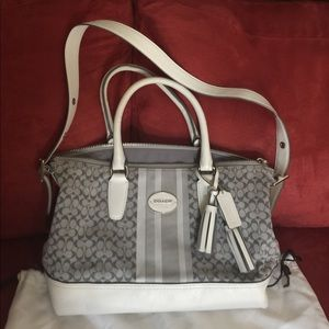 Coach bag grey and white shimmer new