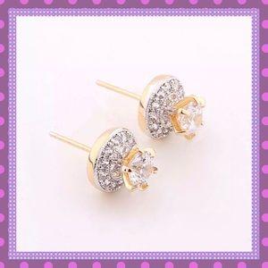 💖Stunning Gold w/White Sapphire Stud Earrings💖