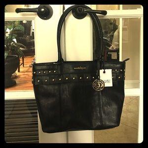 Nanette Lepore Handbags - 💕 Nanette Lepore Shoulder Bag (Nora Handbag)