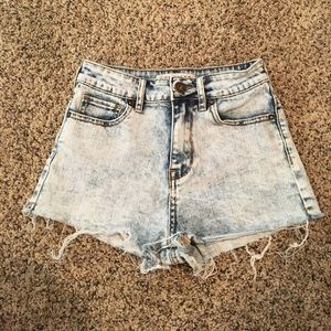 Faded Light-Wash Super High Rise Shorty