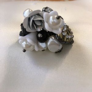 other Jewelry - Flower ring