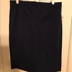 NWT Gap navy pencil skirt