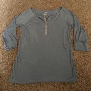 American Eagle Outfitters Tops - American Eagle Feather Light 3/4 Sleeve Shirt