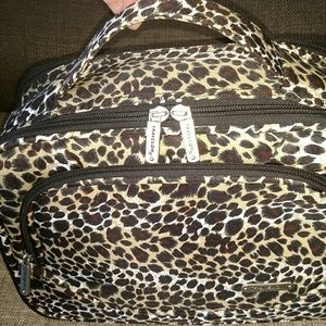 Travelon Bags - NWOT TRAVELON INDEPENDENCE BAG  NEVER USED fd31f61280172