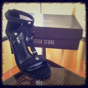Leila Stone Black Naima Heels   New In Box 7.5