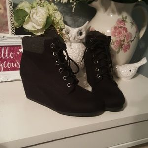 Tilly's Shoes - Black wedge booties