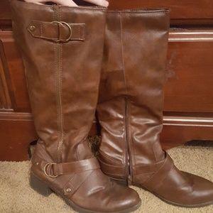 kohls Shoes - Size 9M Brown Boots