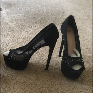 Shoes - Sexy Black heels.. SOLD of line