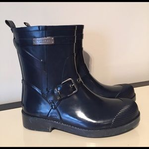 Coach 5 Lester navy blue rain boot buckle detail