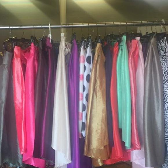 Dresses & Skirts - Hi low skirts