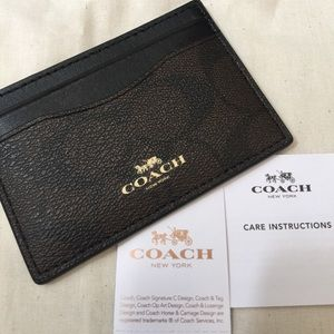 Coach Accessories - 💯% Authentic Coach Card Case