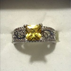 Jewelry - Yellow topaz silver ring