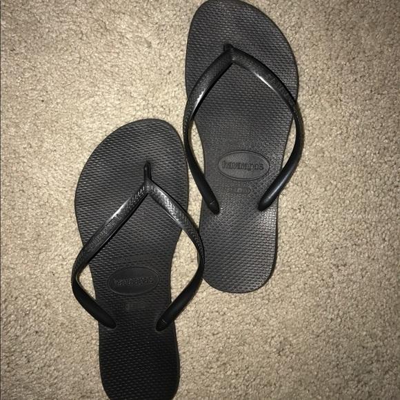 42b519140fe0 Havaianas Shoes - Nearly perfect condition navy havianas flip flops