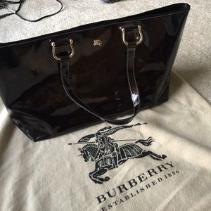 Burberry Handbags - Burberry patent leather tote