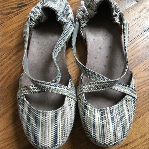 e1931087868aee Ahnu Shoes - Ahnu Women s Karma Textile Ballet Flats.