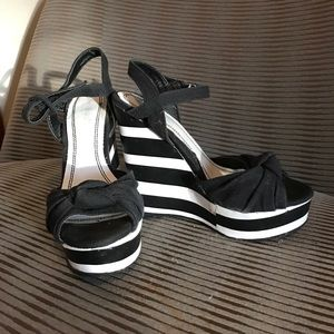 Shoes - Bamboo wedges